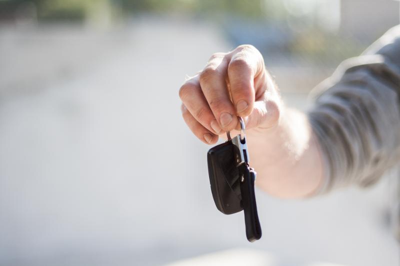 Location de voiture entre particuliers : avantages et inconvénients